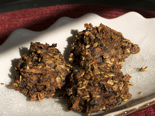 Healthy Carrot Raisin Oatmeal Cookies