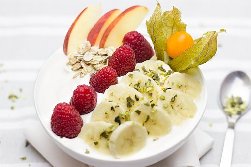 Breakfast Healthy Apple Raspberries Banana Berries Photo: Maxpixel